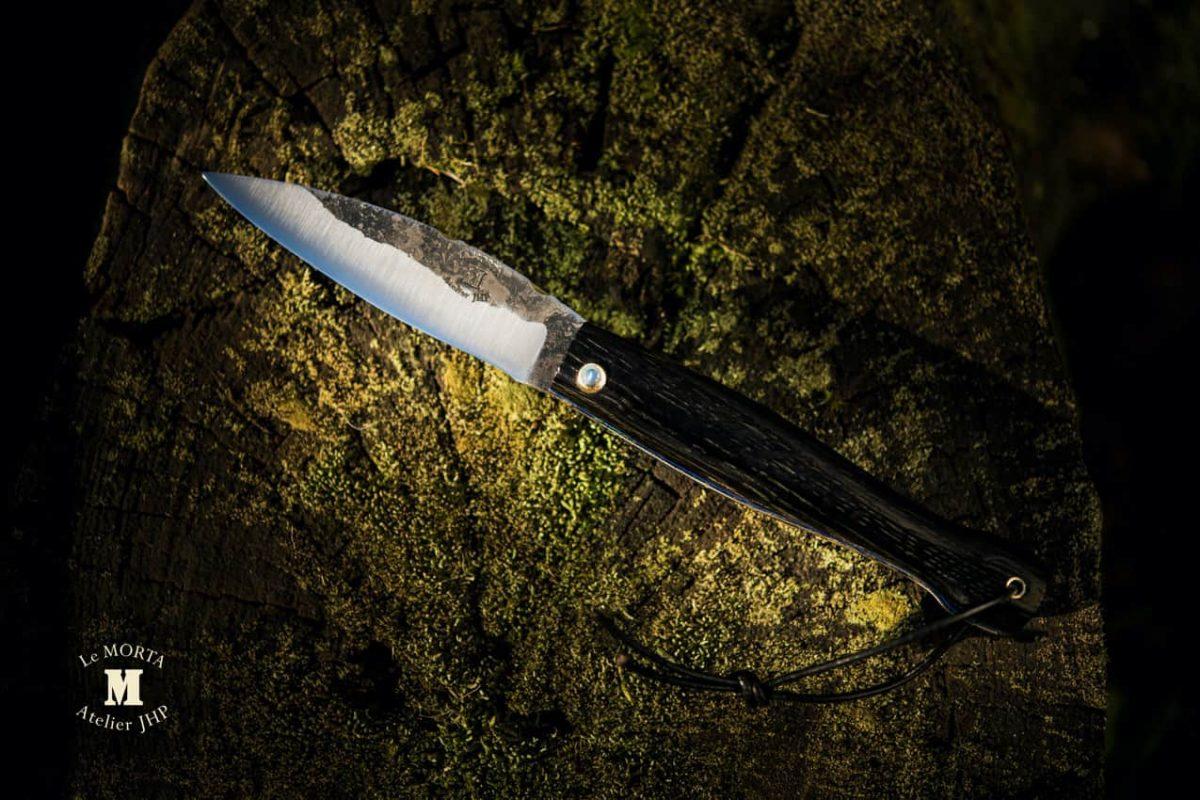 Couteau Morta brut de forge liseres bleus 06