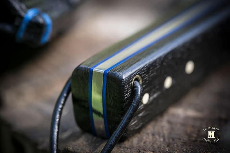 Couteau-fixe-brut-de-forge-compact