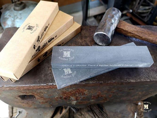 Pierre-a-aiguiser-naturelle-pour-couteaux-2.jpg