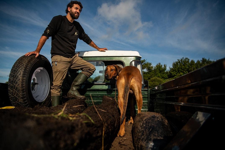 Mission extraction accomplie : Mathieu, Rio et le Morta dans le Land Rover